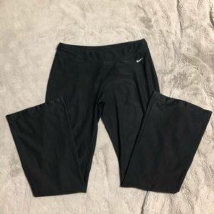 Nike fit dry yoga pants Sz. Medium (8-10)